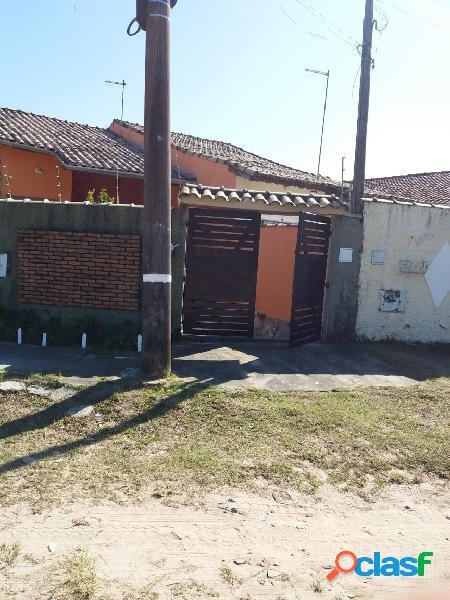 Boa casa em excelente localização- próximo ao centro e a praia -itanhaém sp