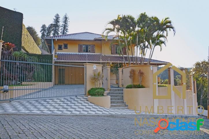Casa mobiliada e equipada com 4 quartos à venda no centro de blumenau sc