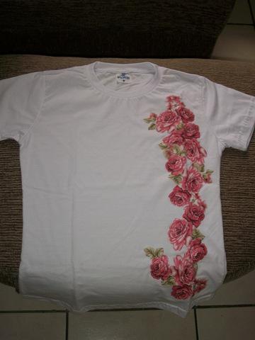 Camisetas com diversas estampas