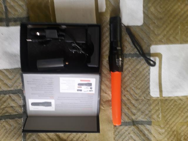 Lanterna profissional x900 com ajuste de zoom e pilha