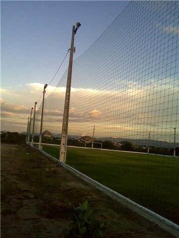 Redes de proteção para quadras e campos esportivos e redes
