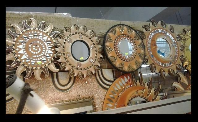 Vila mariana espelhos cristais decorativos vários
