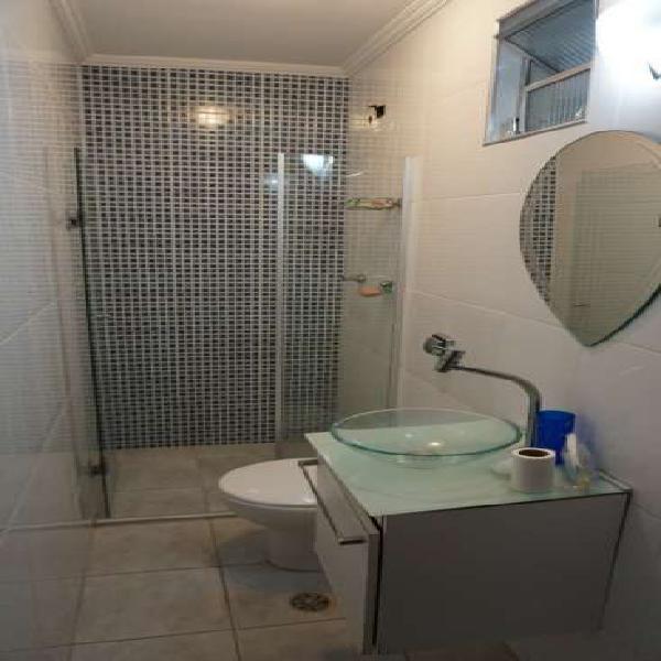 Apartamento 02 dormitórios na Ponta da Praia em Santos -
