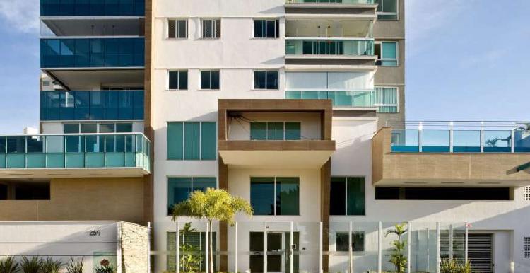 Apt. para venda com 138 m2, com 3 suítes, vagas paralelas