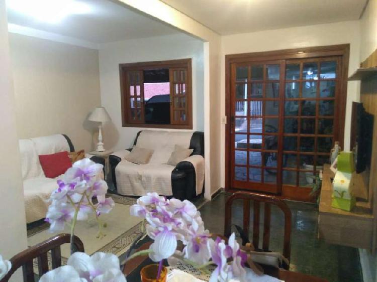 Casa em condomínio, aceita permuta por apartamento até 180