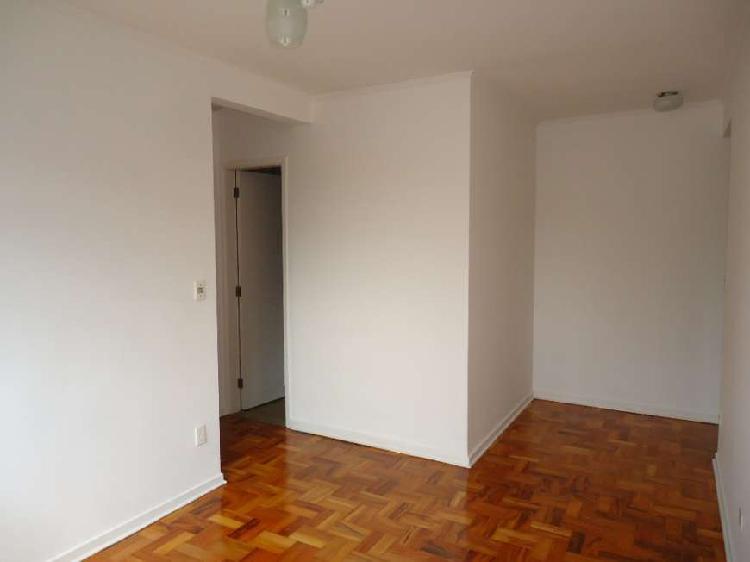 Jaguaré - excelente apartamento com duas vagas de garagem-