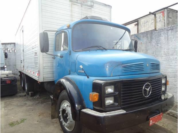1114 turbo truck com bau 8 mts iderol e interclima novo