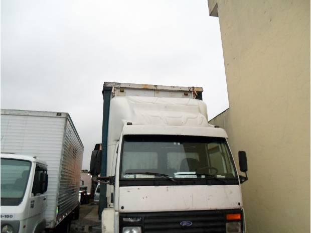 1415 branco truck com bau sider de 8 mts motor semi novo