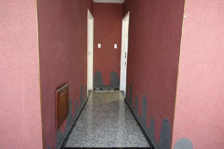 Apartamento para aluguel possui 42 metros quadrados com 1