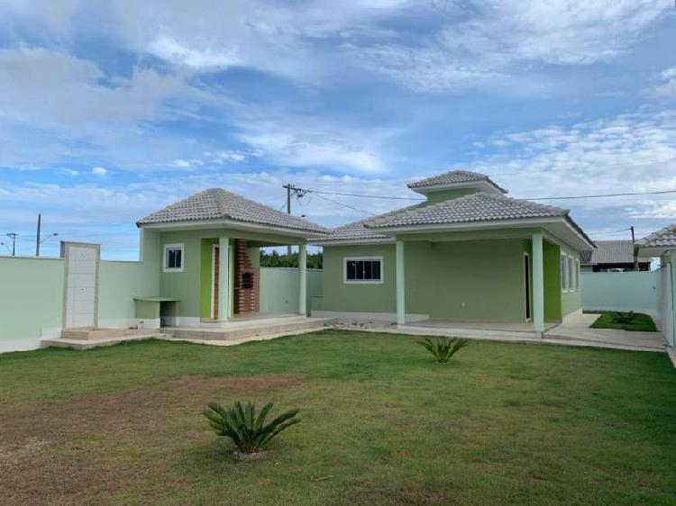 Bela casa para venda com 120 m2 com 3 quartos sendo 1 suite