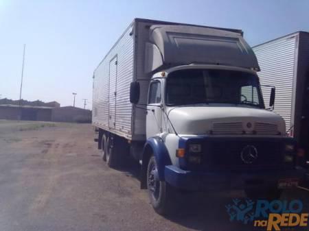 Caminhão mb truck baú