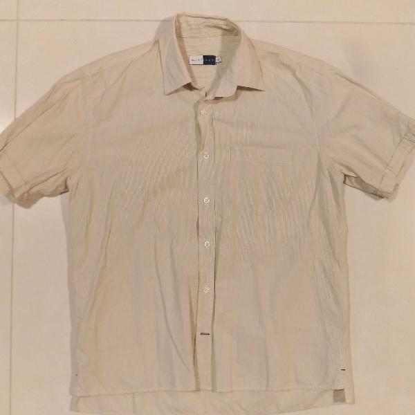Camisa manga curta amarelo-claro listrado