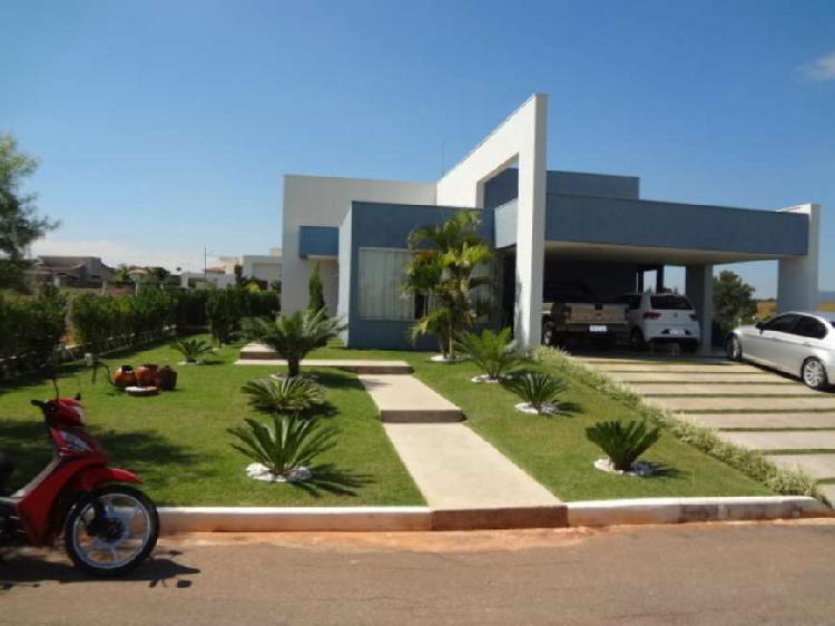 Casa condomínio serra verde