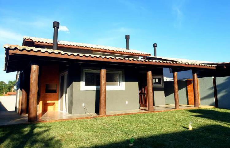 Casa para venda com 130 metros quadrados com 3 quartos em