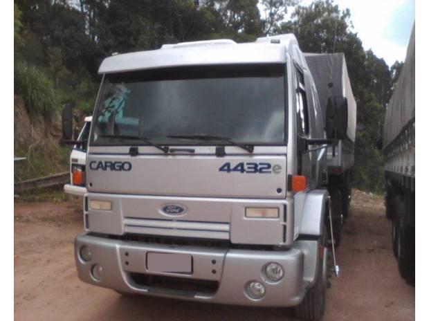 Ford cargo 4432 2006 financia 100% primeiro caminhão