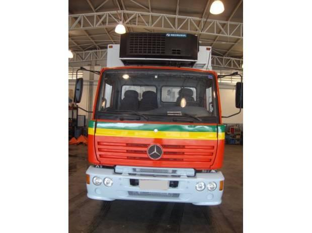 M. benz 1723 ano 2001 truck vermelho baú frigorifico
