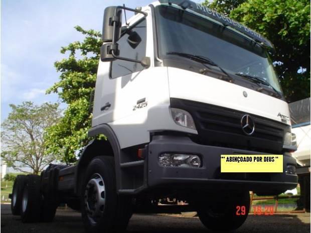 Mb atego 6x2 modelo 2425 no chassi caminhão novíssimo.