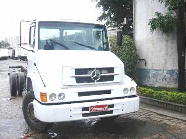 Mercedes 1318 chassis bau carroceria refrigerada frigorifica