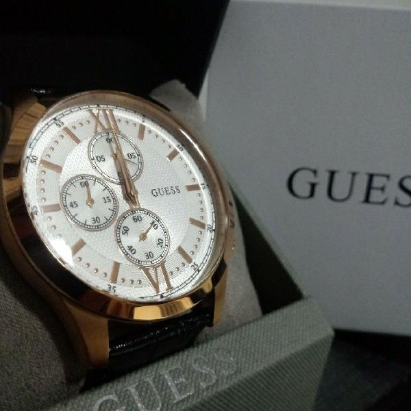 Relógio guess pulseira de couro, nunca usado