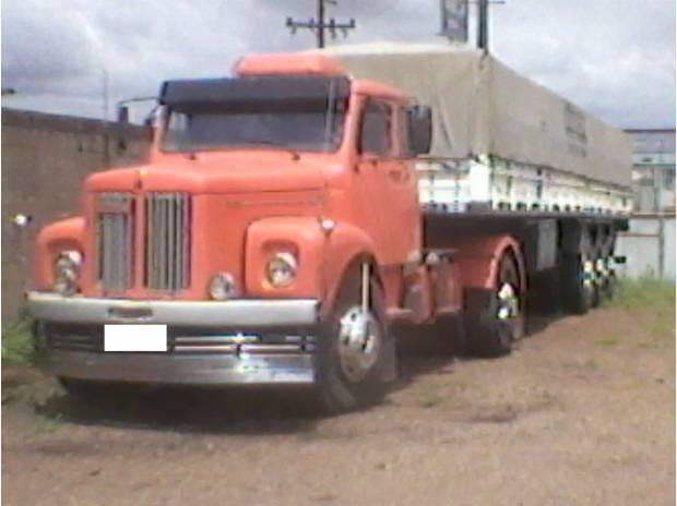 Scania 111 ano 1977 engatado graneleira noma 1995