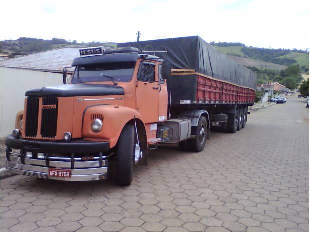Scania jacaré engatado com motor do 112