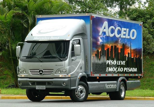Seu caminhão mercedes benz novo ou usado até 100 meses.