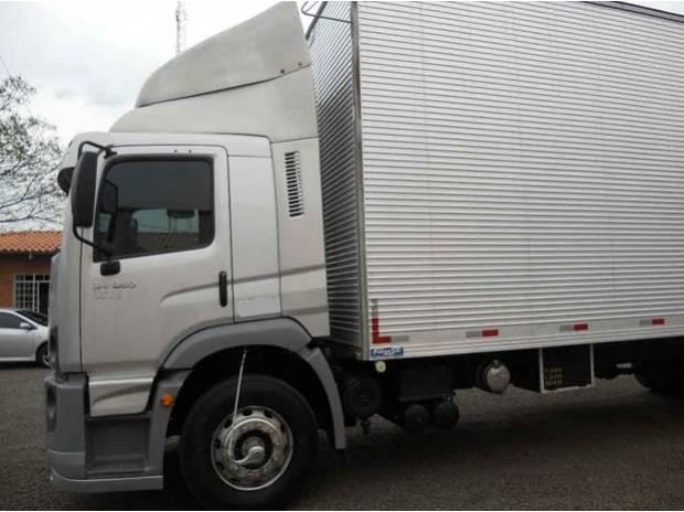 Vw 24250 bau de 10 mts 2011/2011 caminhão único dono