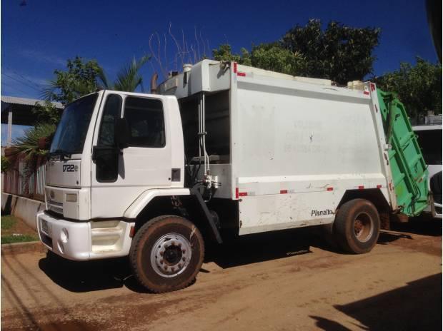 Vende-se frota para coleta de lixo - 7 ford 1722 + 1 vw