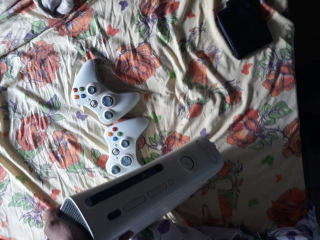 Xbox 360 2 controles 10 jogos