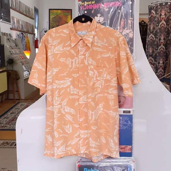 Camisa floral vintahe anos 90