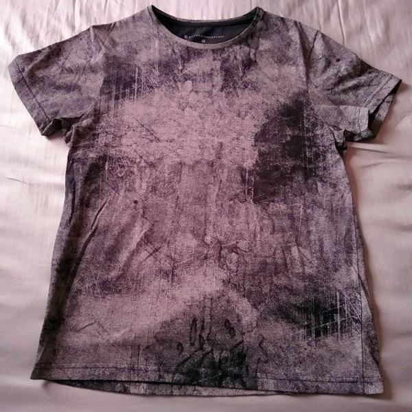 Camiseta slim fit estampada
