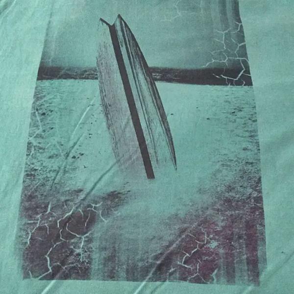 Camiseta verde estampada surf tamanho gg
