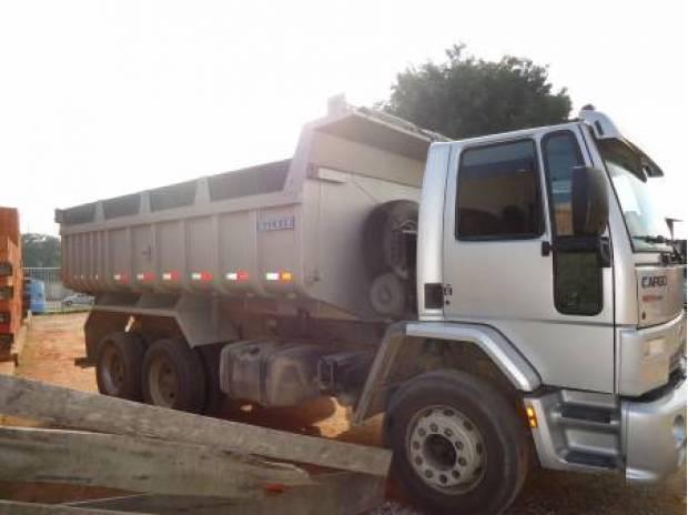 Cargo 2428e 6x2 caçamba 2010