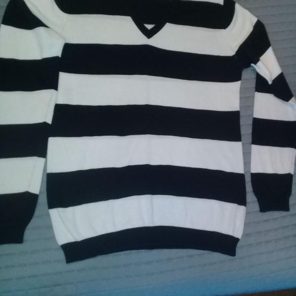 Linda blusa de linha, zara, azul marinho e branco, sem