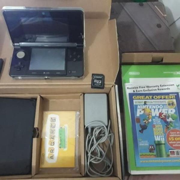 Nintendo 3ds cosmo black + cartão 200 jogos