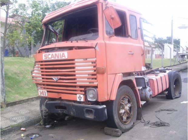 Scania lk 141 ano 80 batido p/ retirar peças