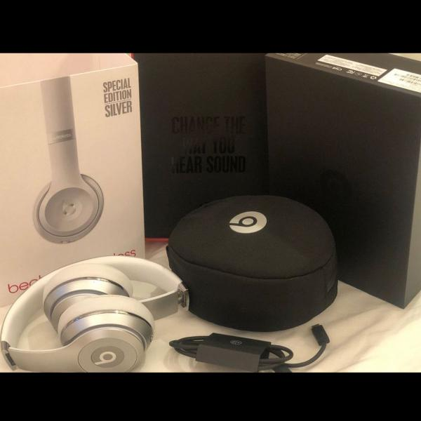 Vendo headphone beats solo 3 wireless original!!