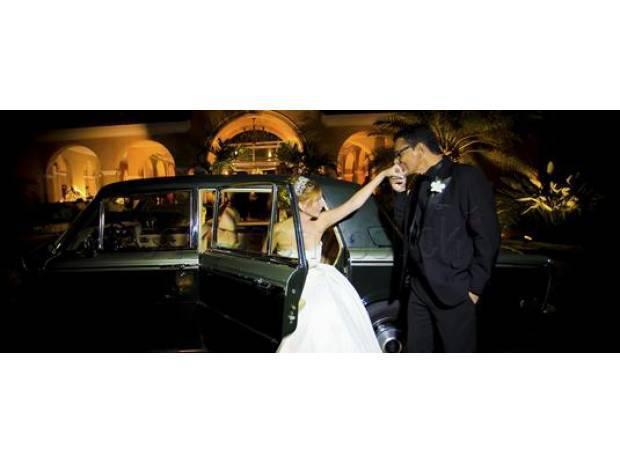 Aluguel de carros para noivas.