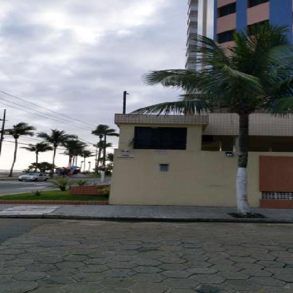 Apartamento à venda 2 dormitórios prédio frente praia -