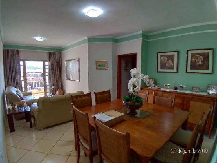 Apartamento com 96 m², 3 dormitórios, 1 suíte com sacada