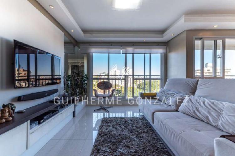 Apartamento com tamanho de casa!