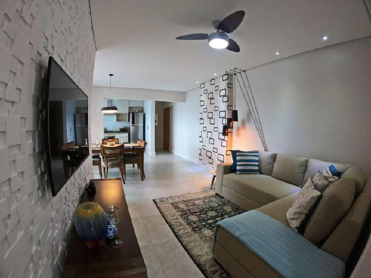 Apartamento completo com vista mar, 2 suítes em Praia