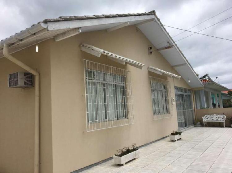 Casa para venda em Daniela