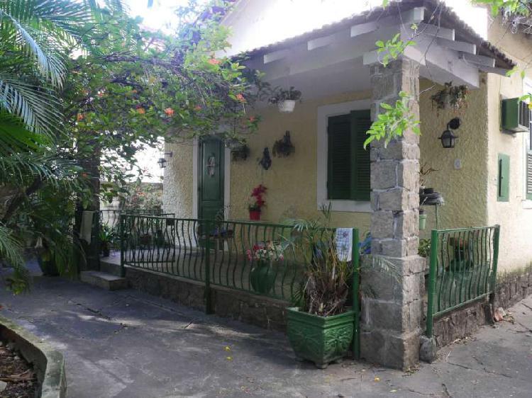 Excelente casa em vila isabel