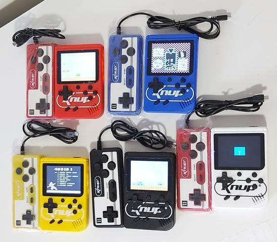 Mini game 400 jogos retrô com controle para jogar em 2