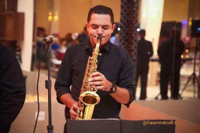 Saxofonista violinista tecladista para casamentos