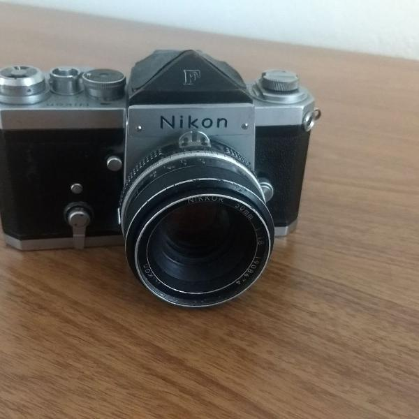 Câmera analógica nikon f