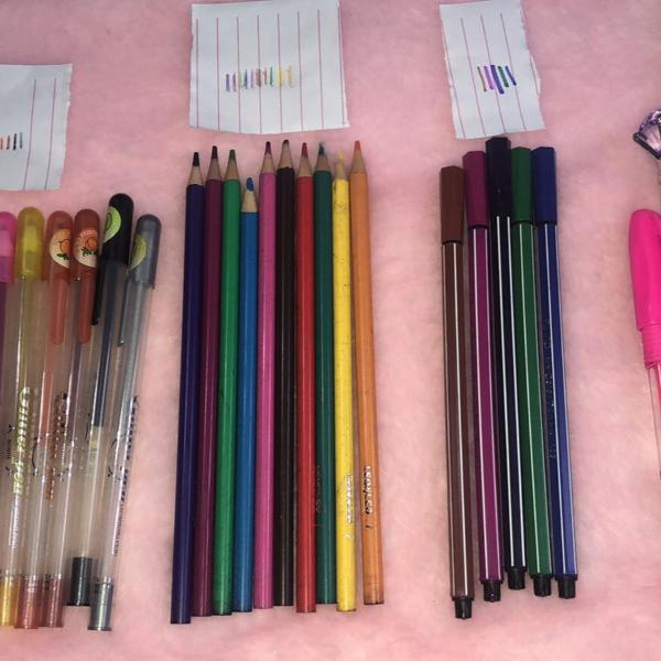 Kit de canetas e lápis
