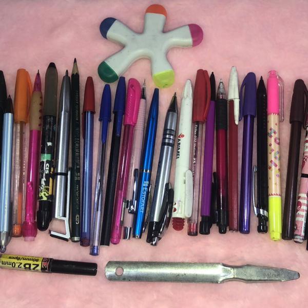 Kit de canetas, lapiseiras, e marcadores de texto