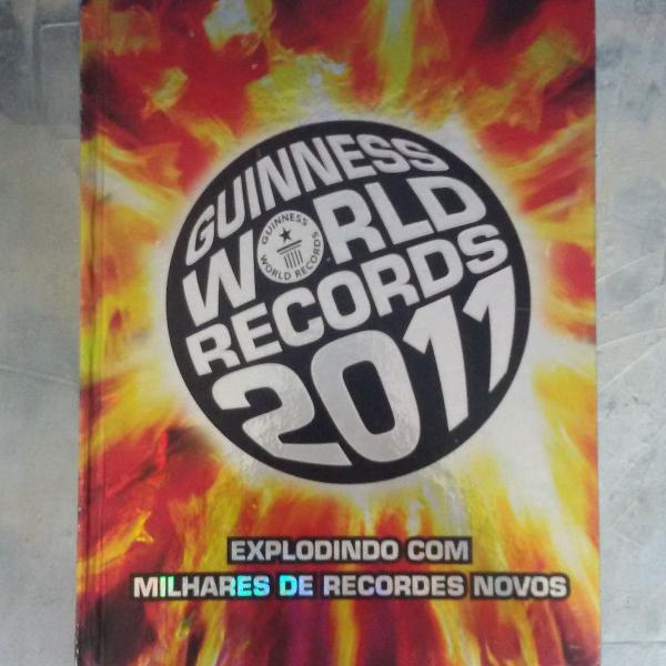 "Livro ""guinness world records 2011"""